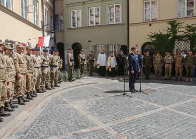 żolnierze NATO pod Izba Kuklińskiego